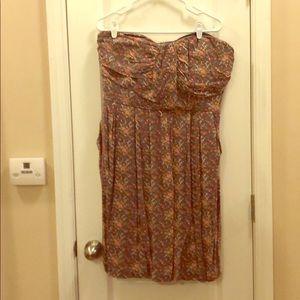 Floral strapless sundress. Pockets.